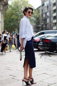 camisa-de-vestir-celeste-falda-lapiz-azul-marino-sandalias-de-tacon-de-cuero-negras-large-21432