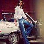 catalogo-abercrombie-fitch-para-chica-y-mujer-otono-invierno-2015-2016-blusa-boyfriend-jeans-acampanados-600x600