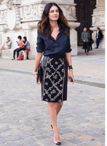 falda-tubo-look-con-camisa-negra