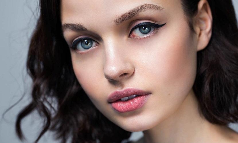 Agrandá tu mirada con estos 3 secretos de maquillaje.